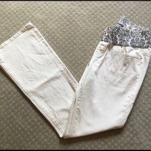 GAP white maternity jeans